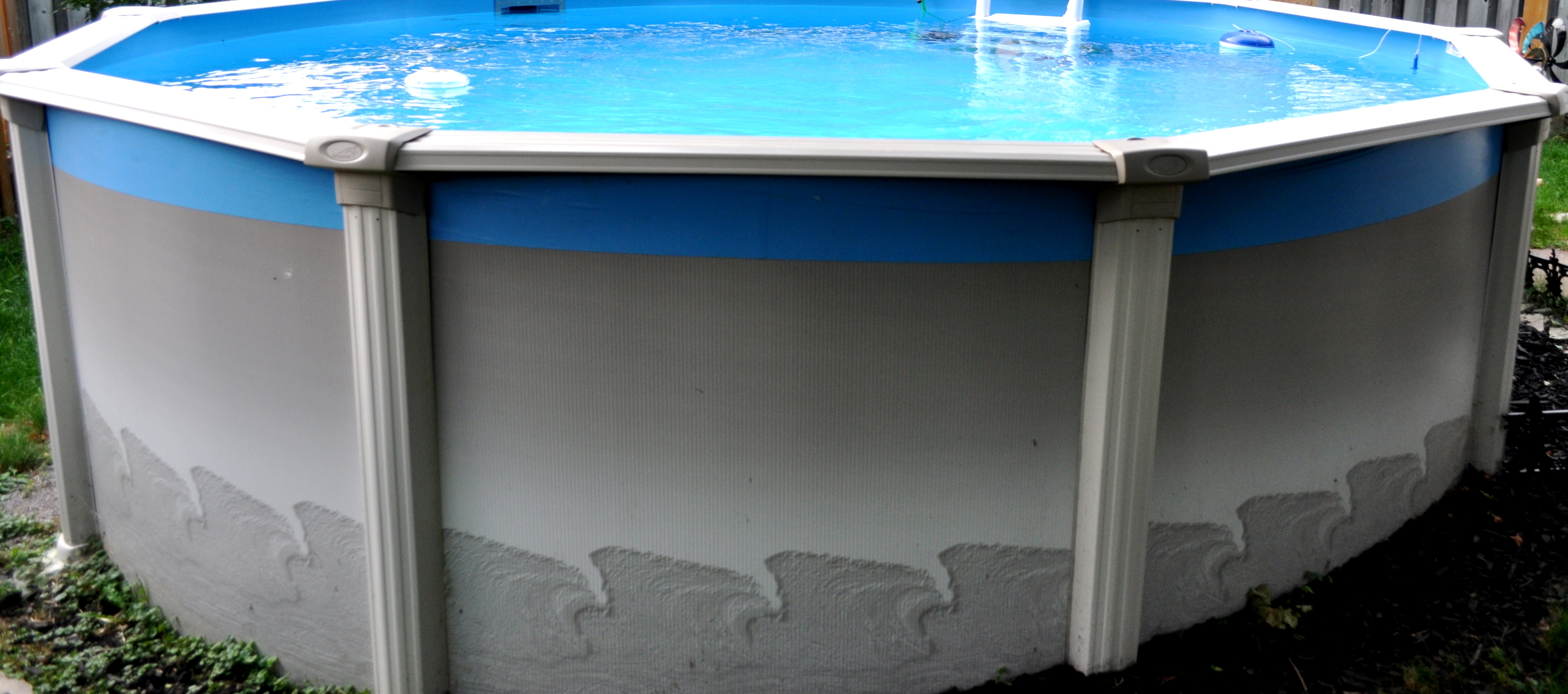 LILYAN'S 15' ABOVE GROUND POOL (7)